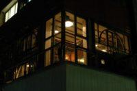 نمای بیرونی از کافه تئاتر رو به خیابان جردن