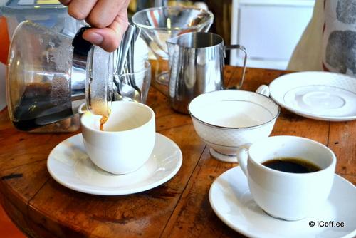 مادز کافه . ملاکا . قهوه فیلتری