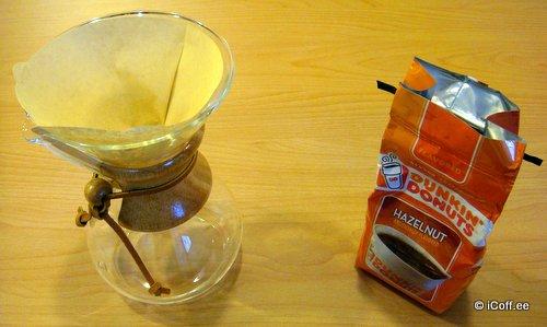 قهوهساز کمکس و قهوهی دانکین دوناتز