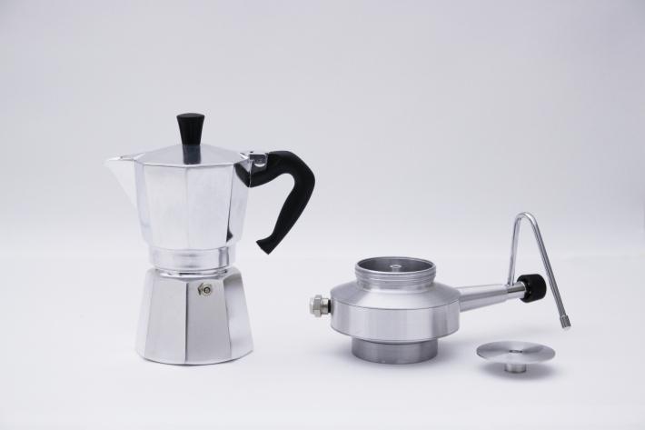 ۳٫ milk frother قهوه ساز روی گازی با شیر