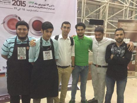 شش باریستای فینالیست (از راست به چپ): سامین رهنورد، میلاد کلانى، برومند پور اسلامى، حمیدرضا بصیرى، امیر پارسا احمدى، مازیار اسلامى | عکس: امیر خسروی
