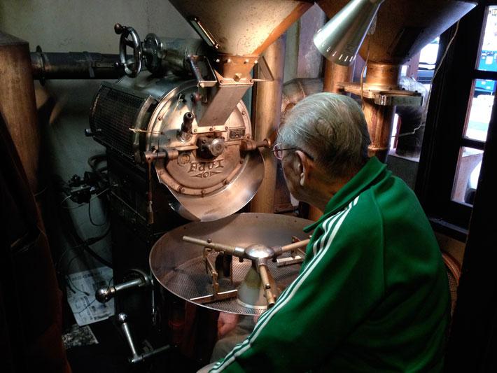استاد بزرگ روست قهوه در ژاپن