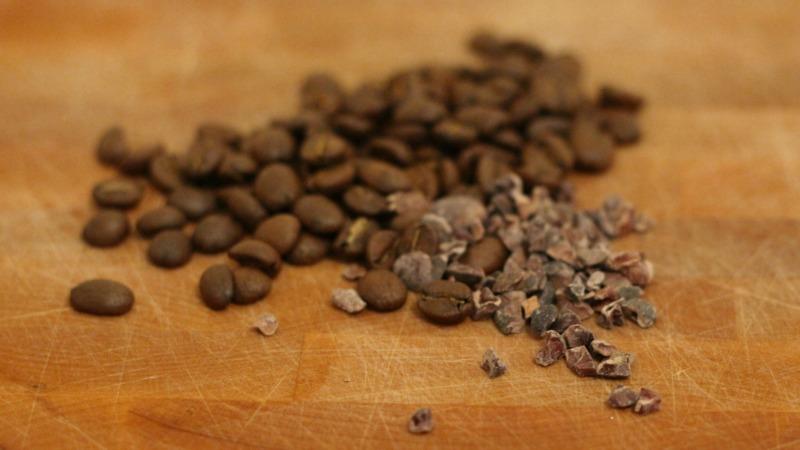 قهوه و ادویه برگه شکلات کاکائو