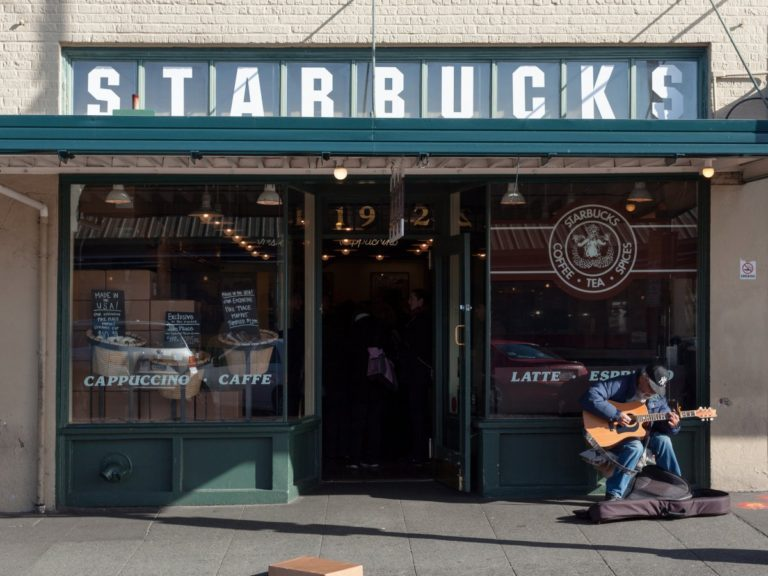 [تصویر:  in-the-90s-coffee-started-returning-to-c...68x576.jpg]
