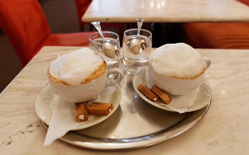قهوه اتریش آیکافی