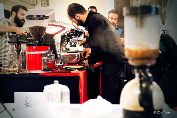 قهوه ست قهوه تخصصی آیکافی