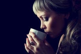 تاثیر قهوه بر روابط عاشقانه