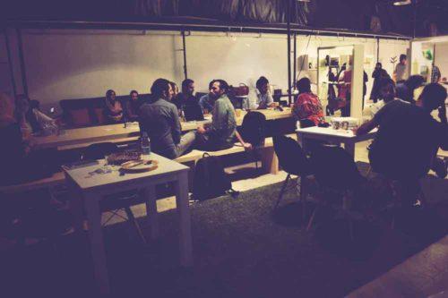 کافه نشینی در ایران