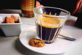 کافه مغی پاریس
