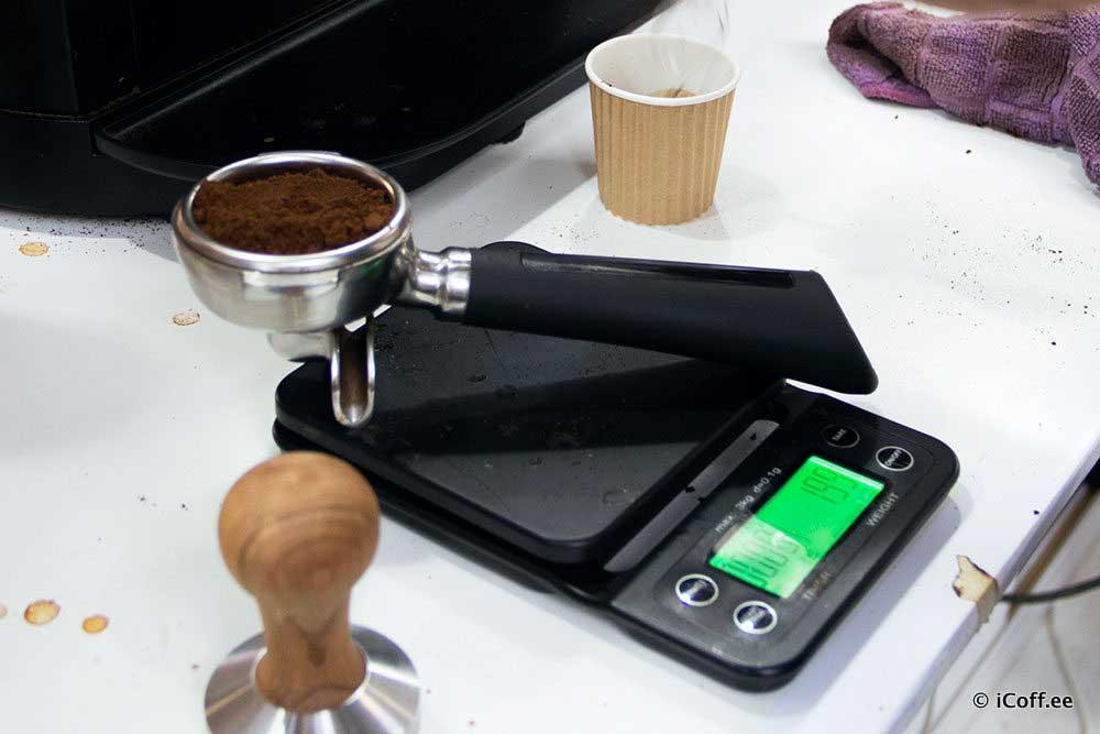 پژوهش ذائقهسنجی قهوه آیکافی
