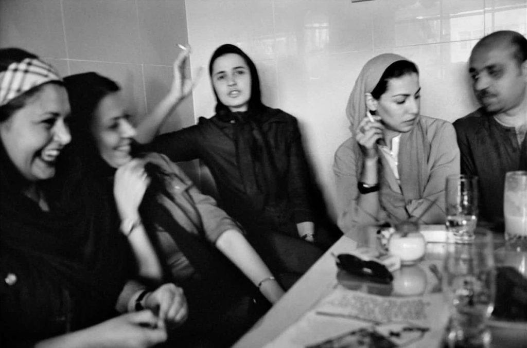 کافهنشینی در تهران ۱۳۸۰ عباس عطار