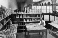 Santos-Brazil-Coffee-Sorting-1920s-iCoff.ee