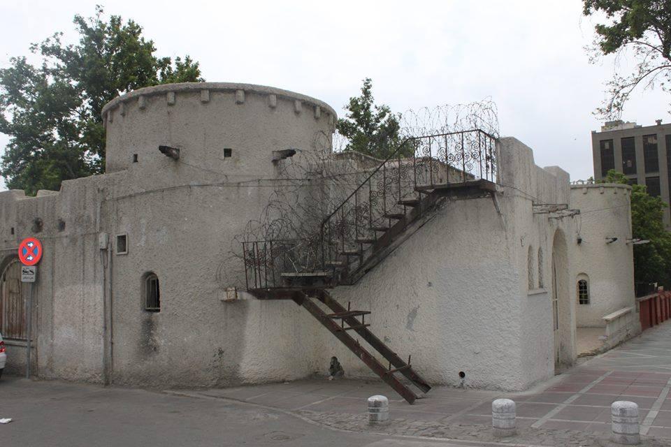 رستوران برج